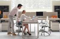 Es importante que la oficina tenga entrada de luz natural en algún momento del día. Foto:decoraciondeoficina.com