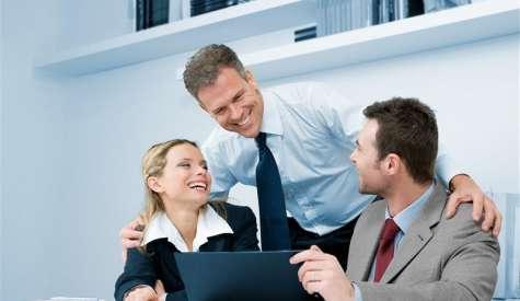 Cuando su jefe le pida que haga algo, sea positivo y proactivo al respecto. Foto:amazonaws.com