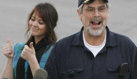 La historia del Capitán Richard Phillips  fue llevada a la pantalla grande en 2013 por Tom Hanks. Foto:sacbee.com