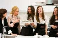 La cocina puede ayudar a tus equipos a mejorar la comunicación y a ser mejores líderes. foto:cocina-cayena.com