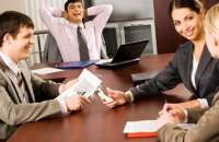 La felicidad aumenta la productividad laboral. Foto:psicologiapositivaperu.com