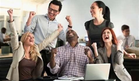 Los empleados felices no ven los problemas como molestos o nocivos, los ven como oportunidades. Foto:valeven.com