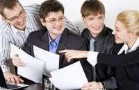 Cada vez son más los jóvenes que se abren camino en el mundo de los negocios, pero usando una metodología diferente. Foto:managementjournal