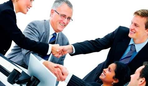 Recursos Humanos debe velar por mejorar la situación laboral de los empleados. Foto:ipralatam.com