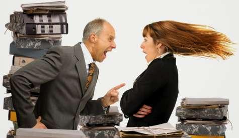 Los malos jefes pueden estar dentro de tu equipo de trabajo y no lo sabes; estos personajes pueden llegar a perjudicar a tu empresa. Foto:publinews.gt