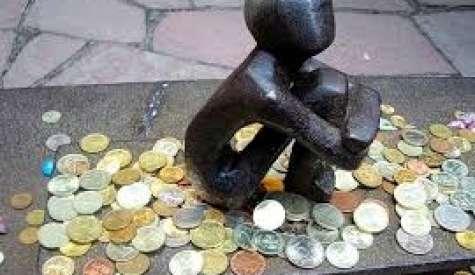 La reflexion versa sobre la veracidad de la crisis económica mundial. Foto: Pakamaku