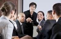 El trabajo en equipo posibilita aspectos esenciales como compartir diversos puntos de vista sobre un tema. Foto:acciondeequipos