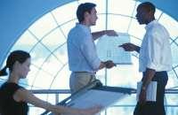 Una buena comunicación es importante para un buen clima en la organización. Foto:adrformacion.com