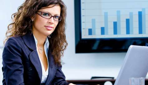 De acuerdo a una investigación, las ejecutivas se encuentran cada vez más ausentes del liderazgo en los negocios de América Latina. Pocas pudieron llegar a la cima corporativa. Foto:mundoejecutivo.com.mx