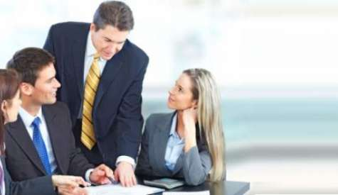 Ser agradable, atento y cercano es indispensable si quieres tener una buena relación con tus empleados. Foto:chileproveedores.cl