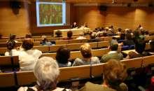 Las conferencias pueden dar a la gente una oportunidad de revelar sutilmente sus puntos de vista. Foto:cej.org.py