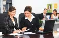 Muchas mujeres parecen incapaces de transferir sus habilidades sociales al mundo de los negocios. Foto:2.fimagenes.com