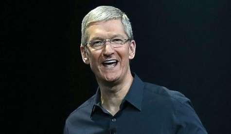 El CEO de Apple tiene un patrimonio avaluado en 120 millones de dólares, de acuerdo con Fortune; desde hace tiempo que el directivo realiza aportaciones a organizaciones de caridad. Foto:Abc news